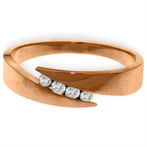 GOLD RING WITH NATURAL CHANNEL SET DIAMONDS